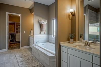 Owners Suite Bath - Victoria (Holly Estates)